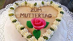 Muttertag | Herztorte zum Muttertag  | Foto: Josef Türk Jun | Wikipedia | Creative Commons